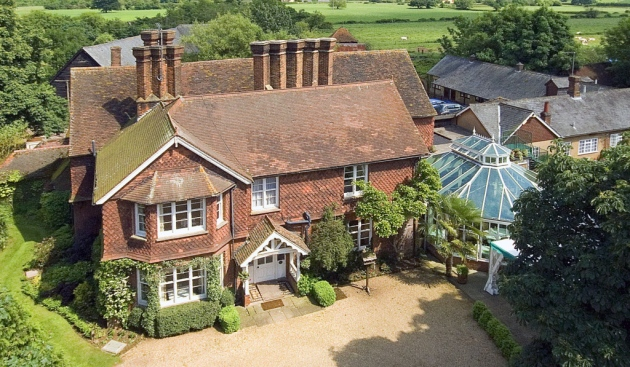 Landmark farmhouse between Hitchin and Stevenage set to be refurbished under new management - The Comet 2017